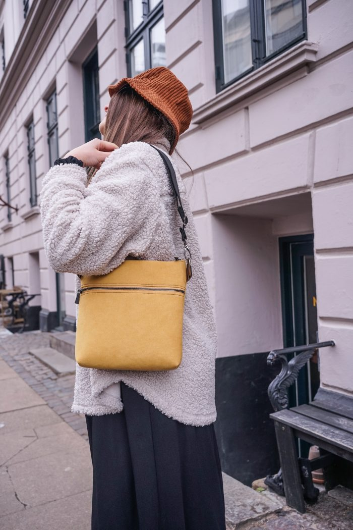 light yellow bag